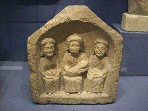 640px-three_goddesses_small_roman_relief_corinium_museum_1
