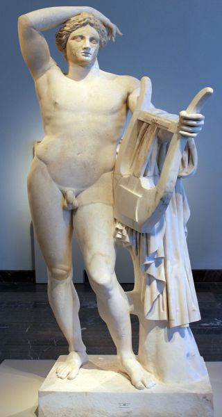 0140_Statue_des_Apollon_Lykeios_Altes_Museum_anagoria
