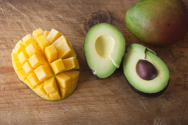 Mango-Bacon-Avocado-Salsa_03